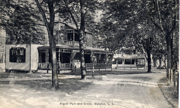 Argyle Park And Green Street