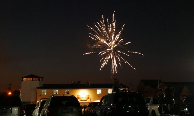 Babylonians Enjoy Fireworks At The Babylon Village Pool